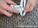 Измерение диаметра проволоки сетки рифленой